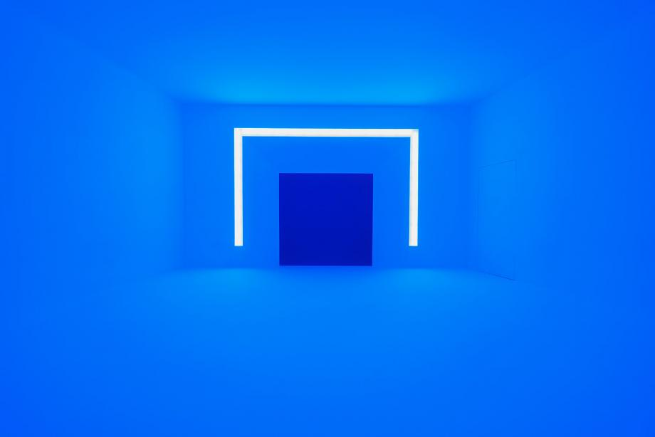 Rondo (Blue), 1969, by James Turrell, from the series Shallow Space Constructions. © James Turrell. Photography: Florian Holzherr.